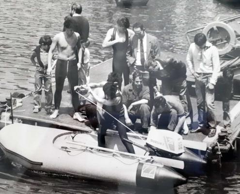 Jesús Ferreiro en el acto de donación de la embarcación de salvamento a la DYA.
