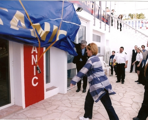 Inauguración de la primera exposición de Titanic en Europa, creada por Jesús Ferreiro. Ampuriabrava.