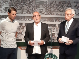 Appointment of Luis del Olmo as Honorary Patron of the Titanic Foundation. Luis del Olmo, Rafael Nadal and Jesús Ferreiro. Rafa Nadal Sports Centre. Manacor, 2019.