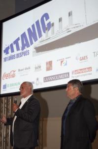 Conferencia de la Fundación Titanic por Jesús Ferreiro. Andrés Clarós y Jesús Ferreiro en el Museo Marítimo de Barcelona. Organiza: Clínica Clarós. Barcelona, 2013.